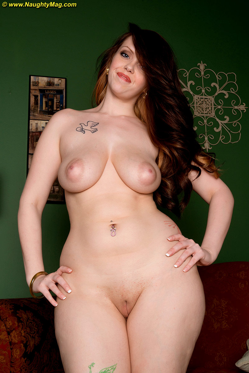 nude curvy hips hotties