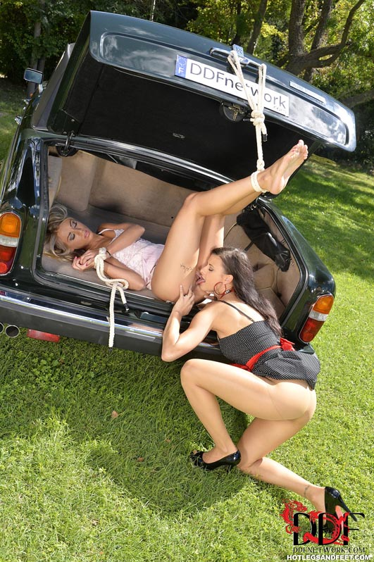 Outdoor fuck in car for german 1fuckdatecom 5