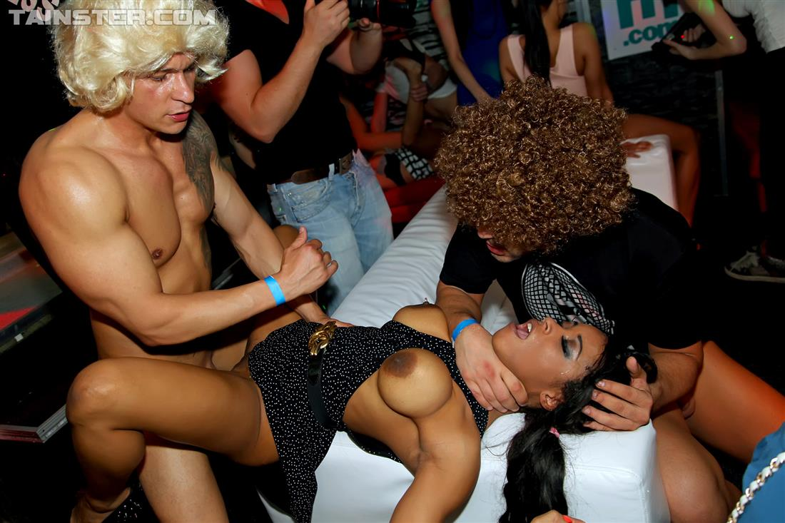 For Vips party drunk sex orgy