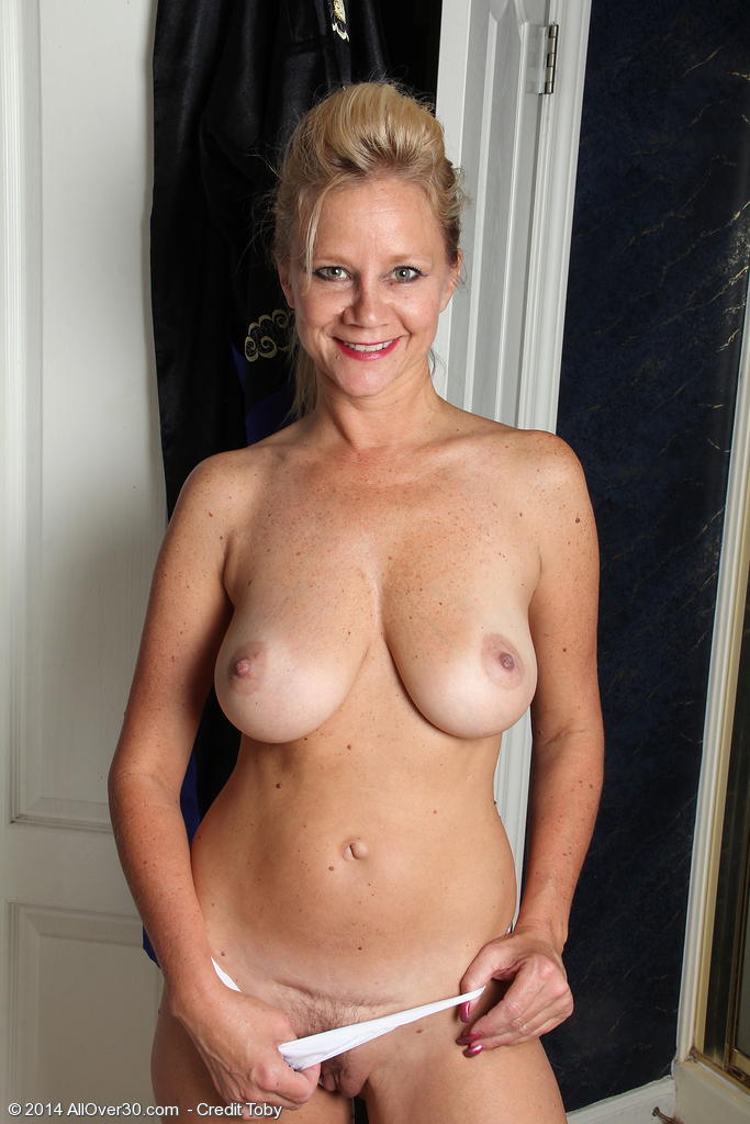 Nude wife changing