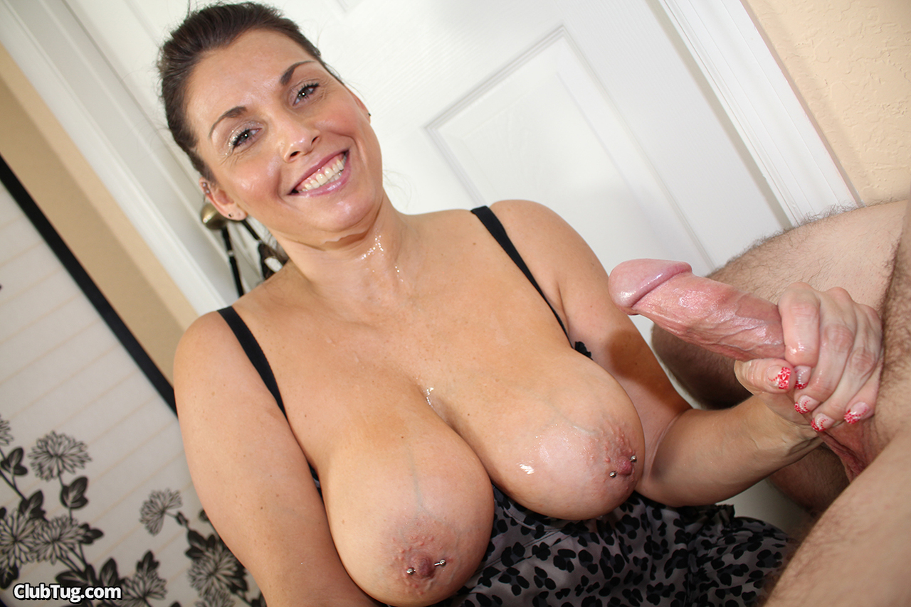 Busty german mom sucks a shaft and loves it when her ass is fucked in the car