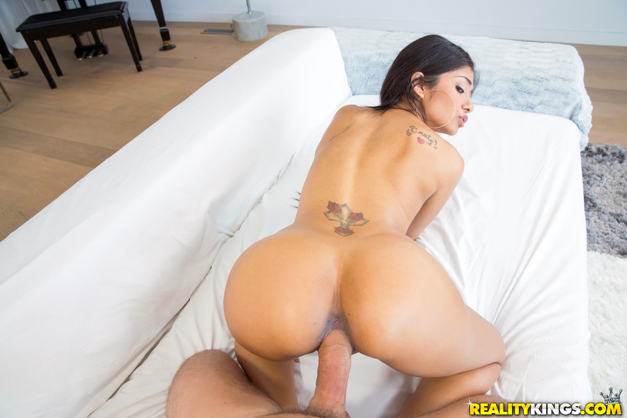 Final, latina fucked at work
