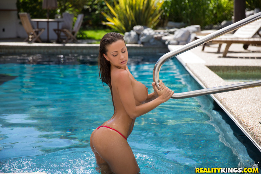 Wife naked in the pool for the neighbors to see