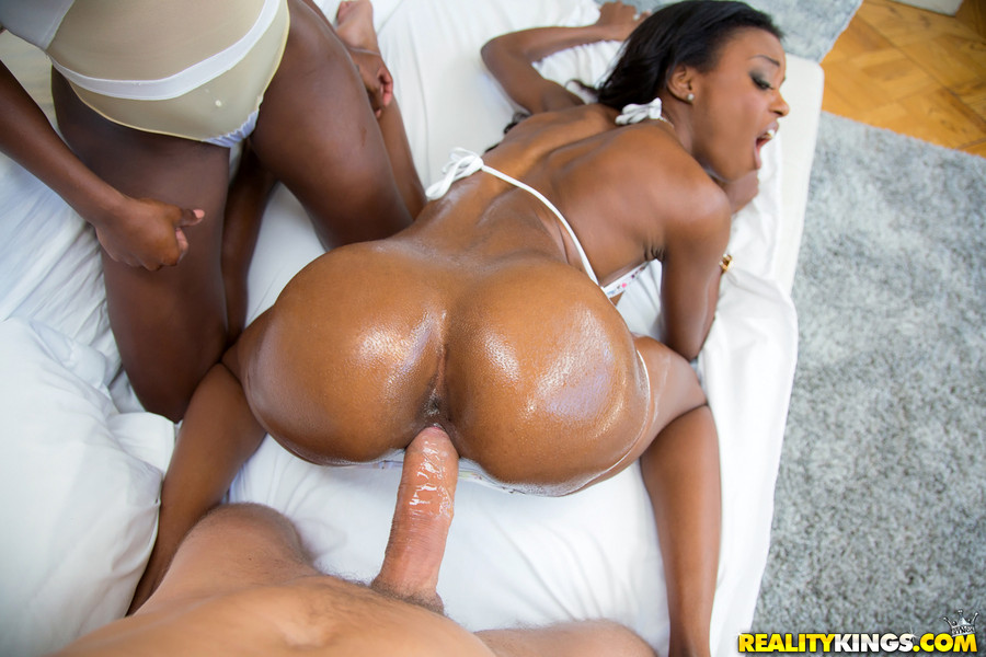 Blowjob Ebony White Dick