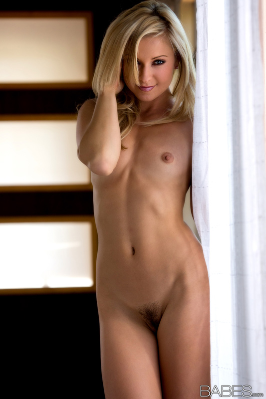blonde-babes-showing-ass-galleries-naked-arab-lesbian
