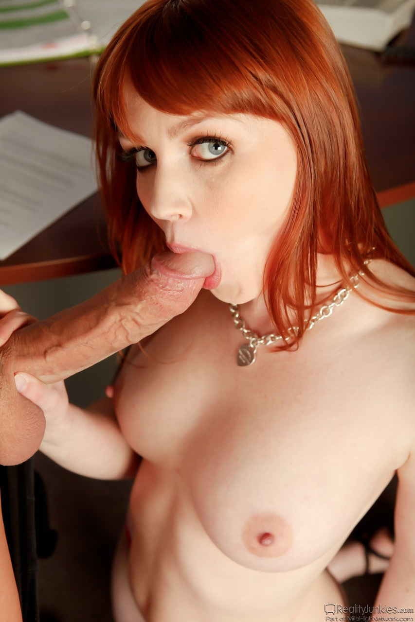 Beauty sweet red head xxx wolf white