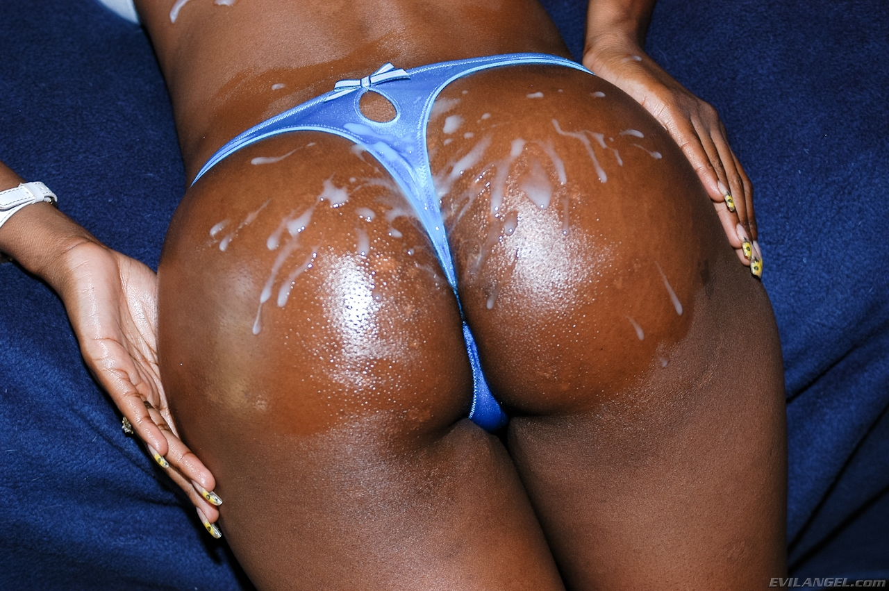 Cum on ebony ass