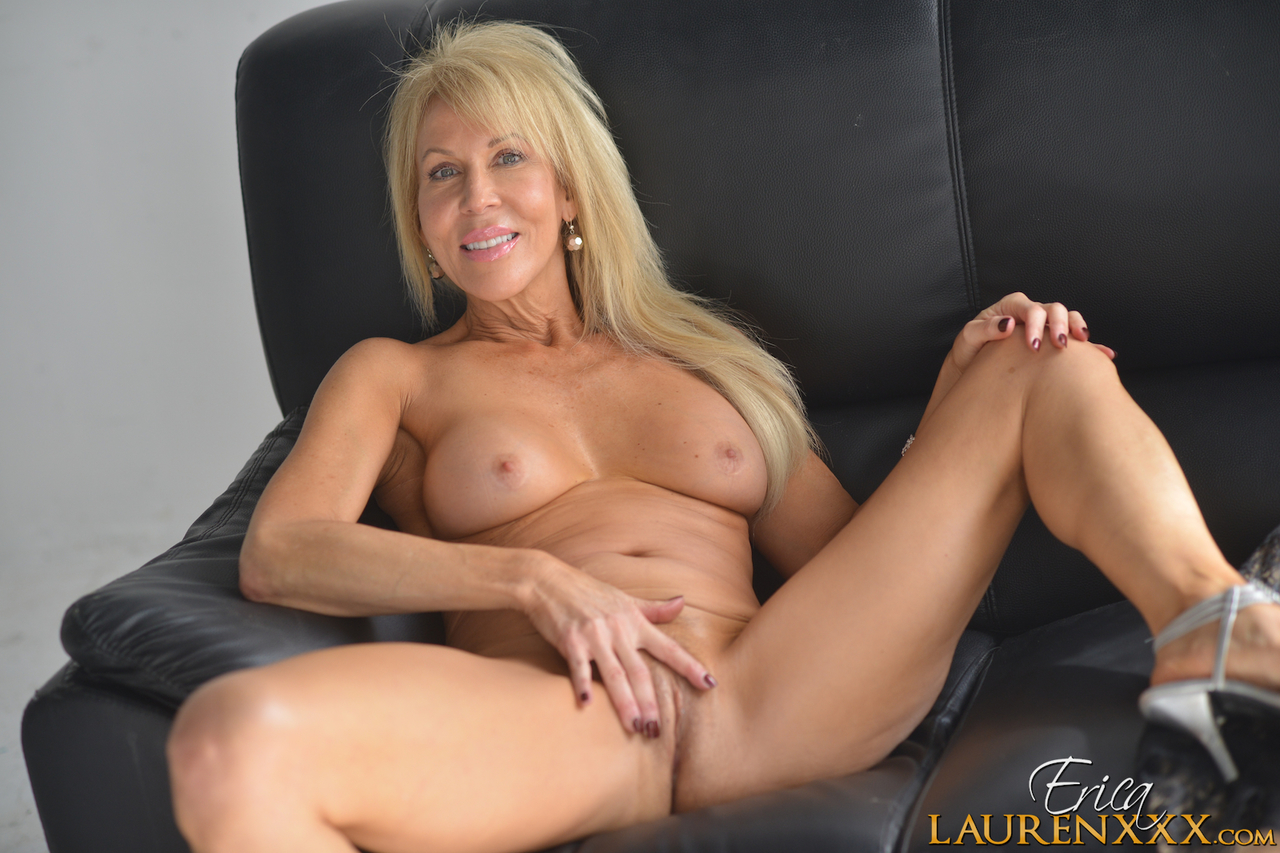 Older blonde lady Erica Lauren strokes her pussy after ...