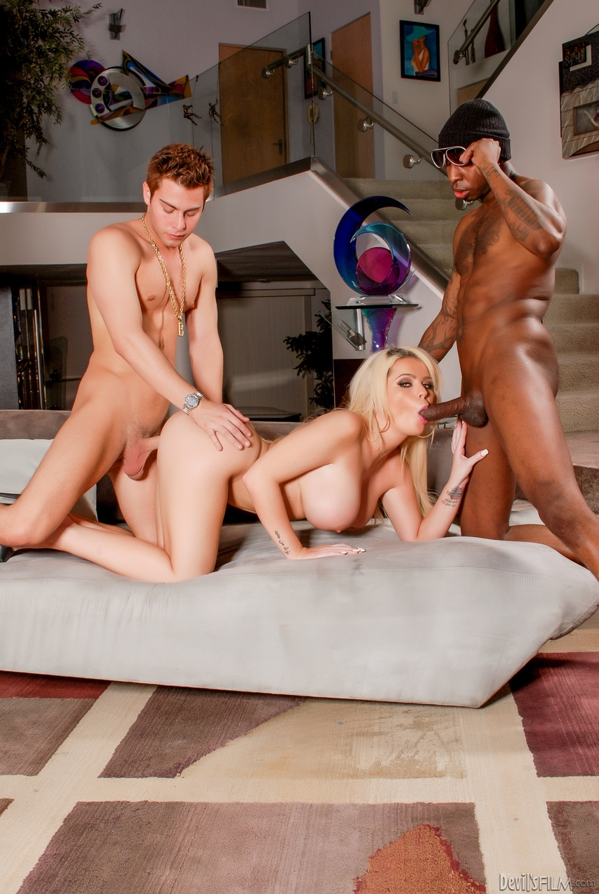 Hot blonde Alexis Ford takes selfies before sex with black and white dudes