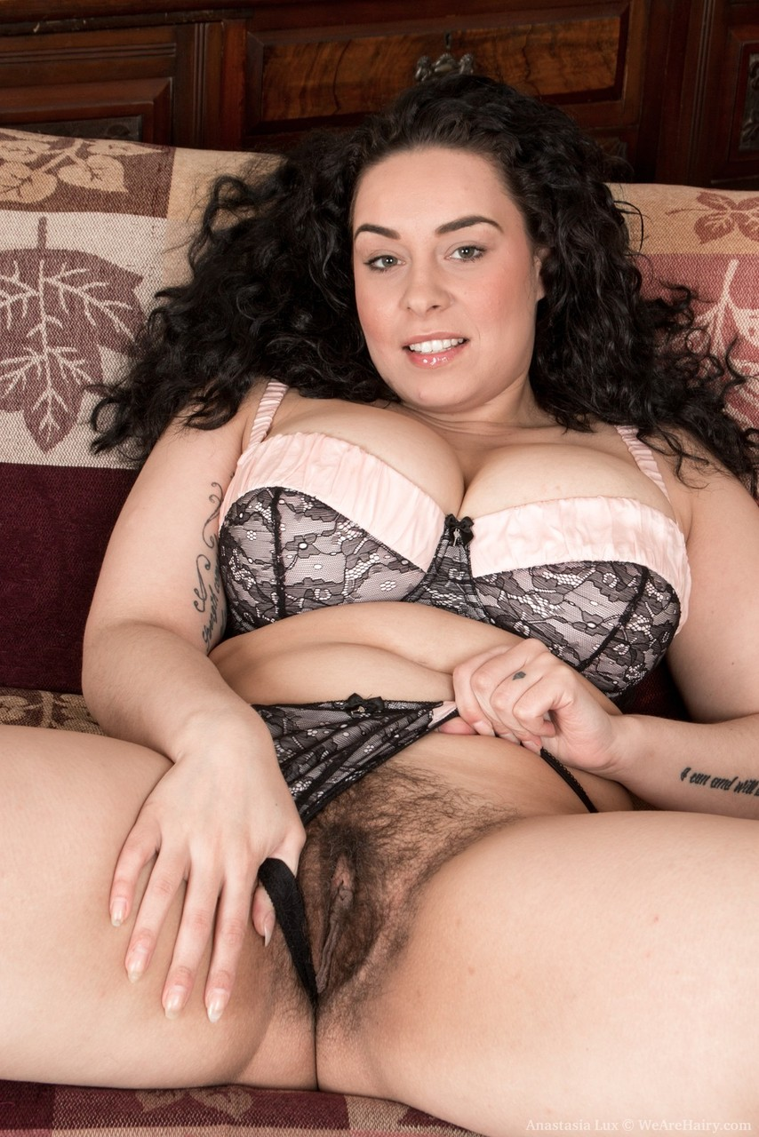 Amateur Hairy Pussy Spread
