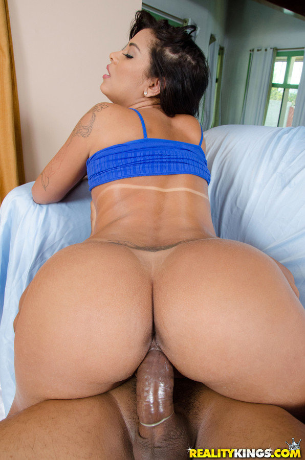Big Ass Latina Fucks Back