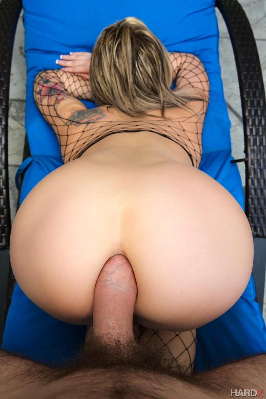 Bubble butt lindsay eaten out before doggystyle pounding