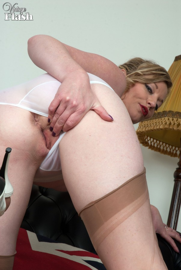 Porn vintage housewife
