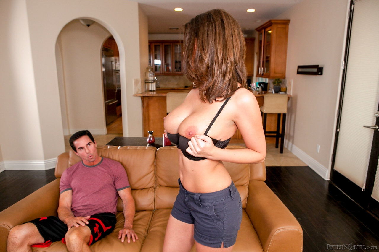 Busty chick Brooklyn Chase gets a facial from legendary ...