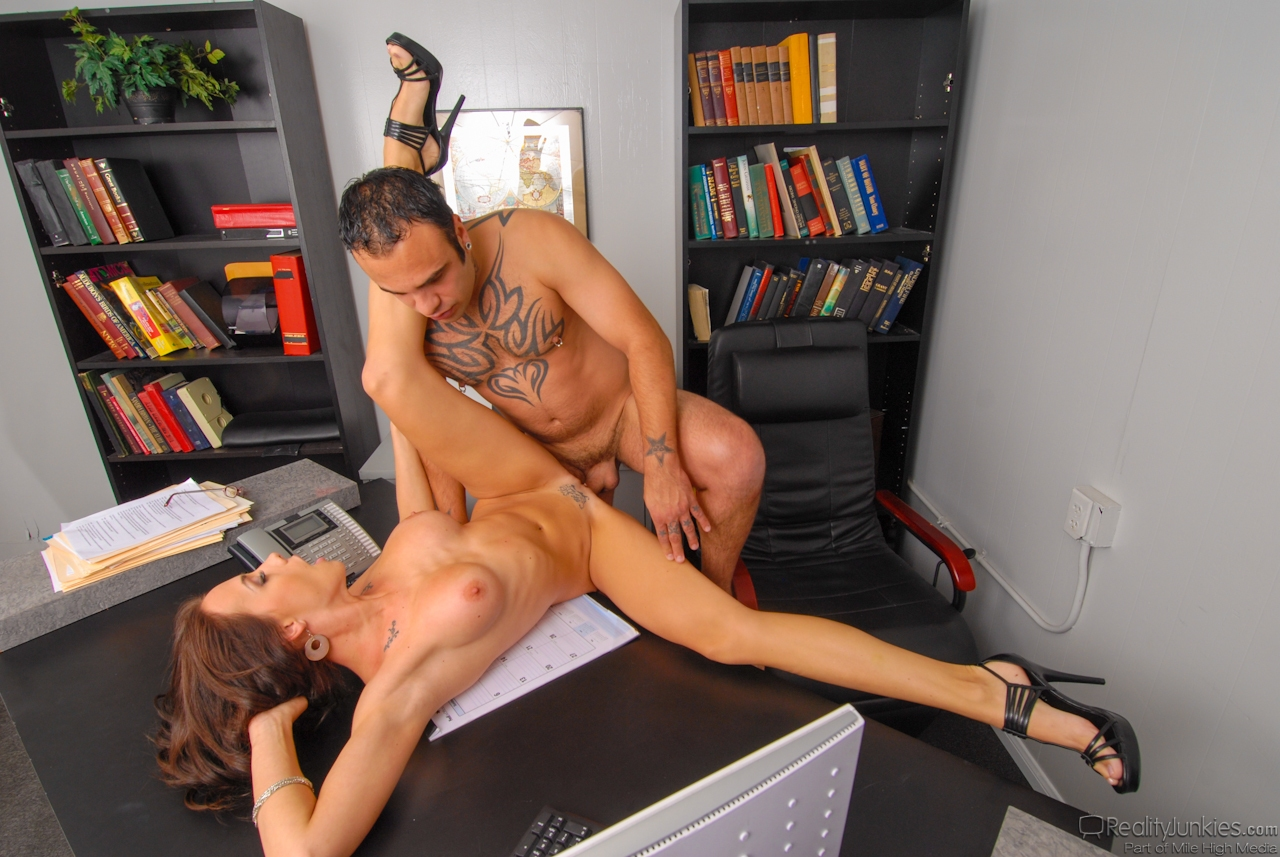 sexy-office-worker-porn