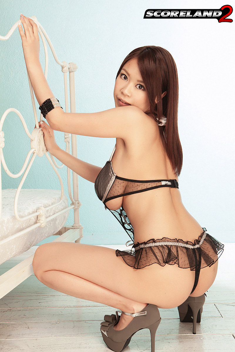 Sexy tits and ass asian in lingerie