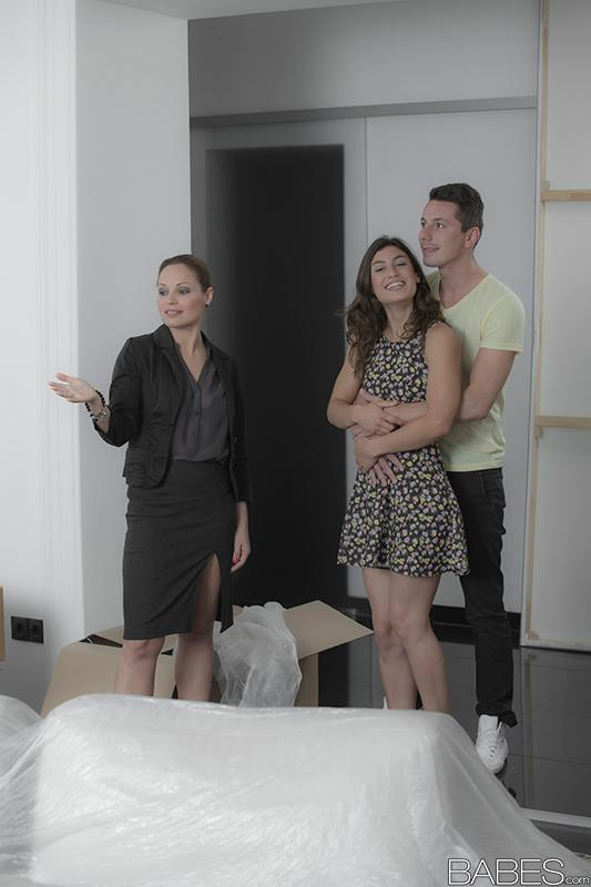 Horny moms Silvia Lauren and Julia Roca stack asses for 3some cumshot