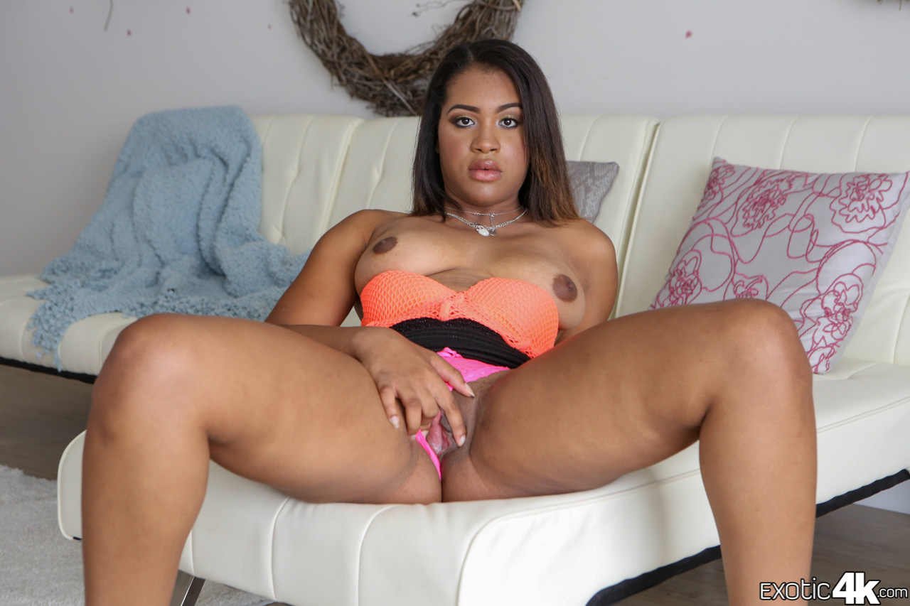 nude black chick tiffany tanner opens her shaved twat for a solid