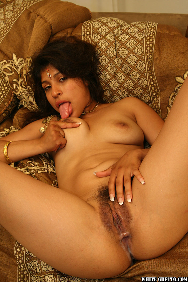 dark indian pussy