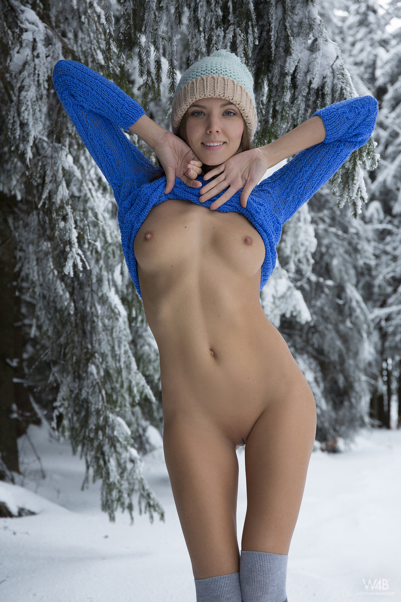 Naked girls snow bunnies apologise
