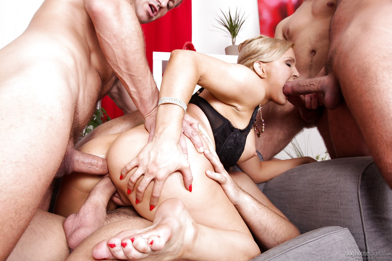 horny blonde jenna lovely gets double penetration in nut