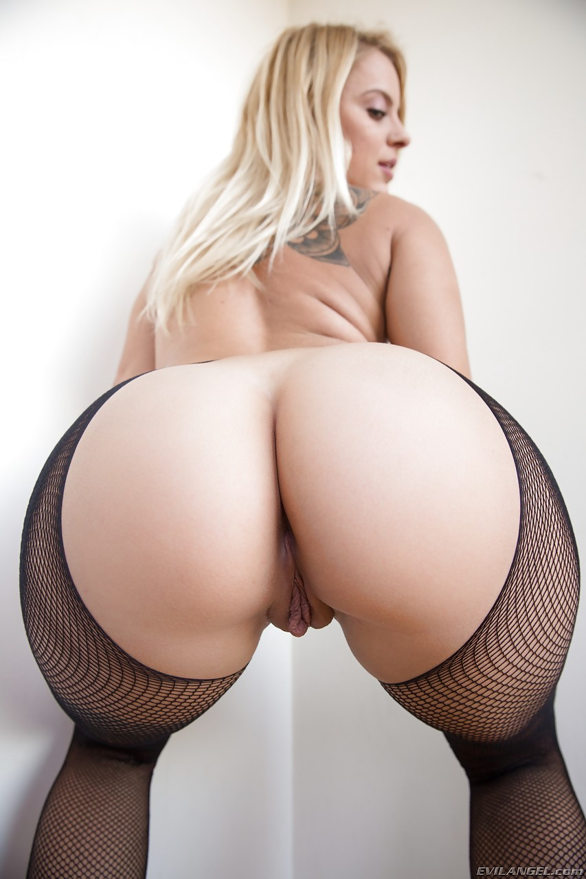 tattooed girl cameron canada in sexy pantyhose flaunting