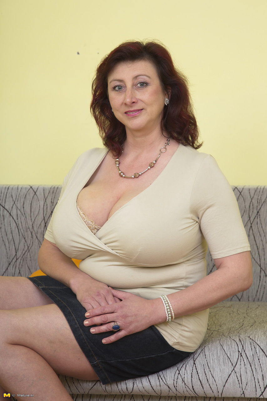 pictures of mature ladys with big tits