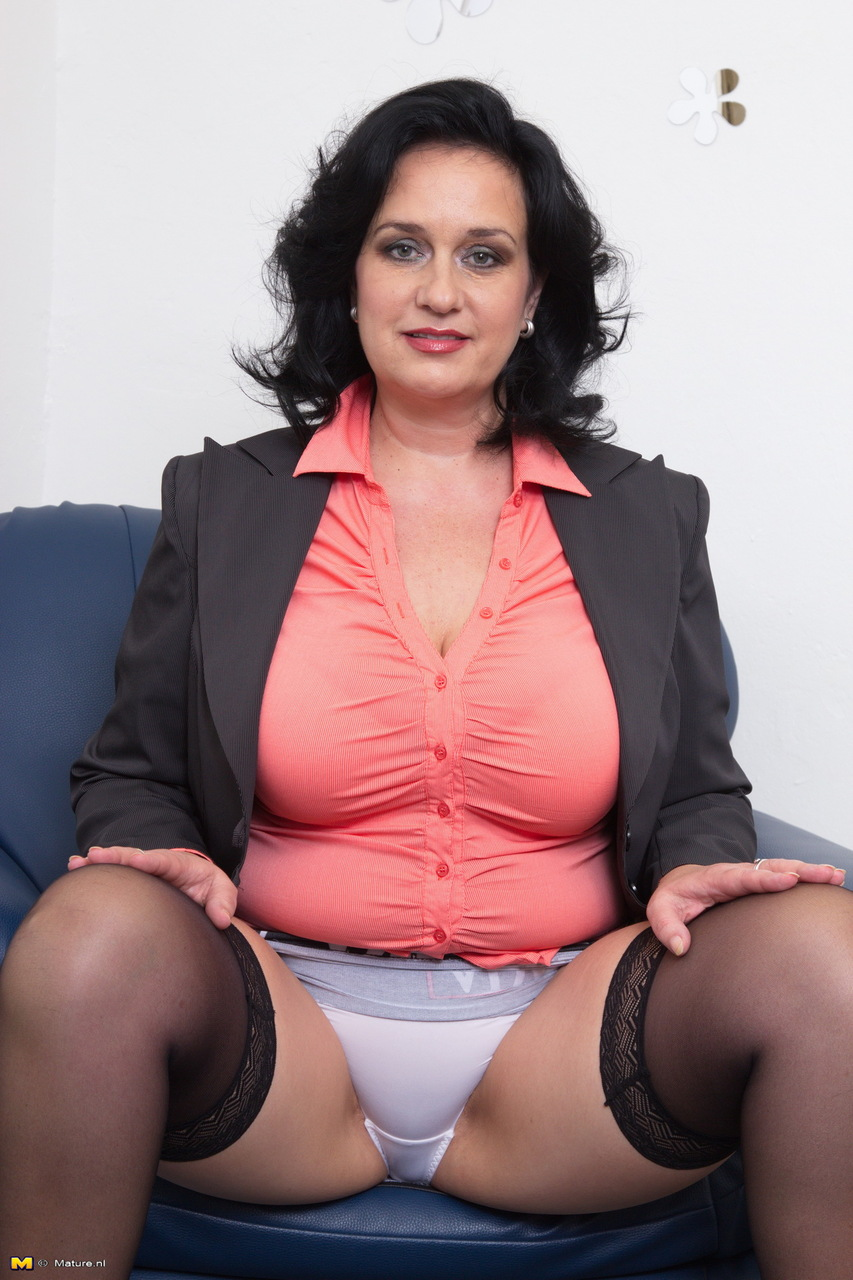 mature woman flashing white upskirt underwear wearing black