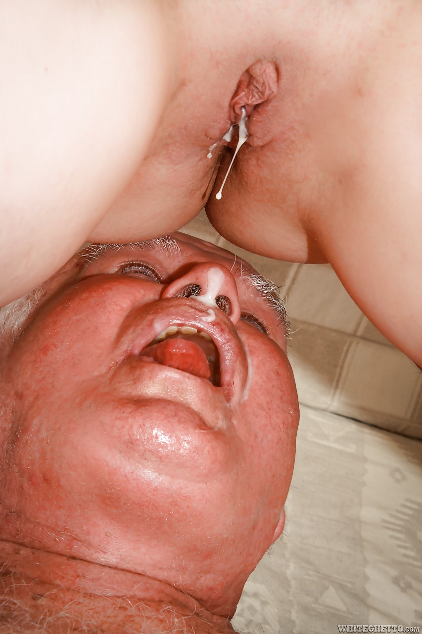 Cum Mouth While Fingering