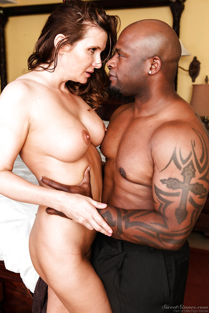 naked hot milf interracial