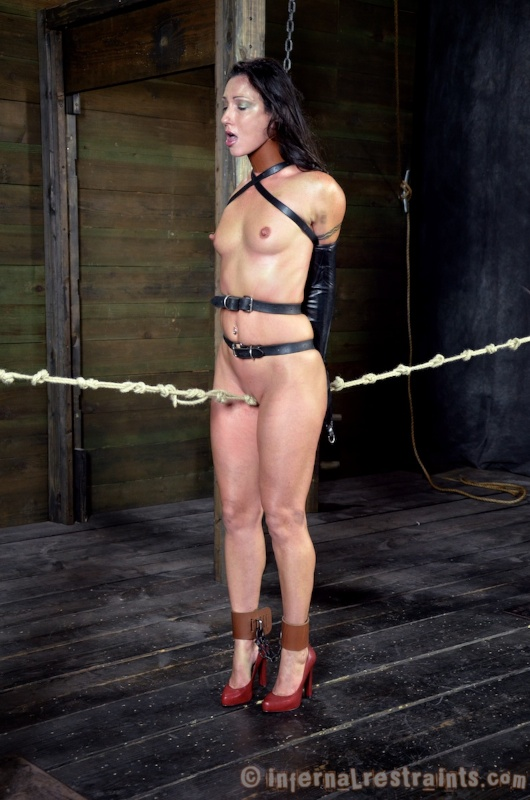 Brunette girl Wenona explores her sexual limits during extreme bondage games