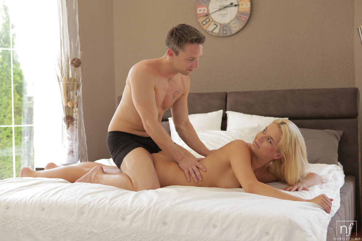 coed-blow-job-beautiful