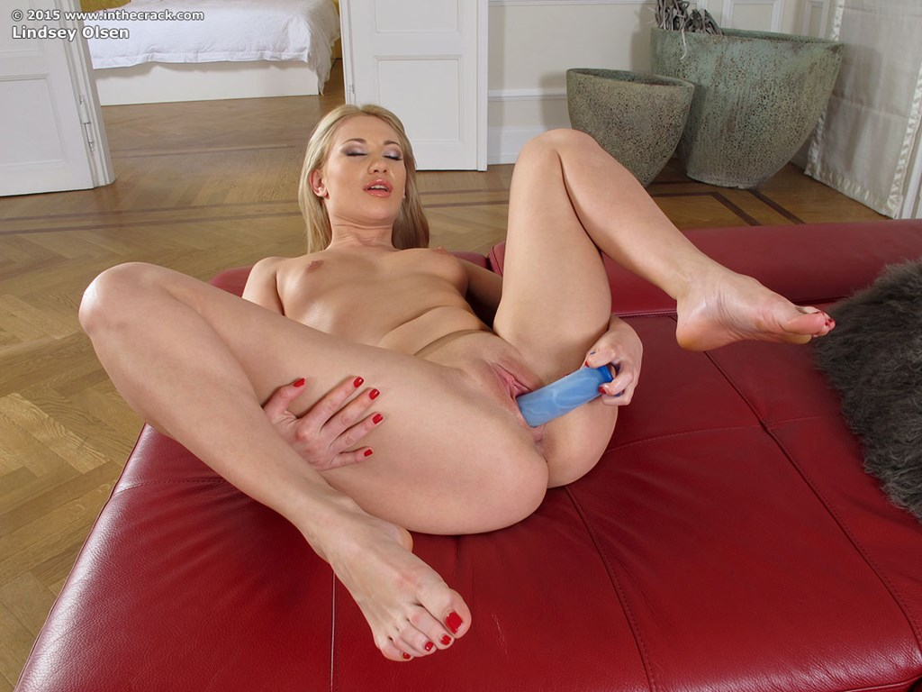 Lindsey pussy photos, tits and big cocks