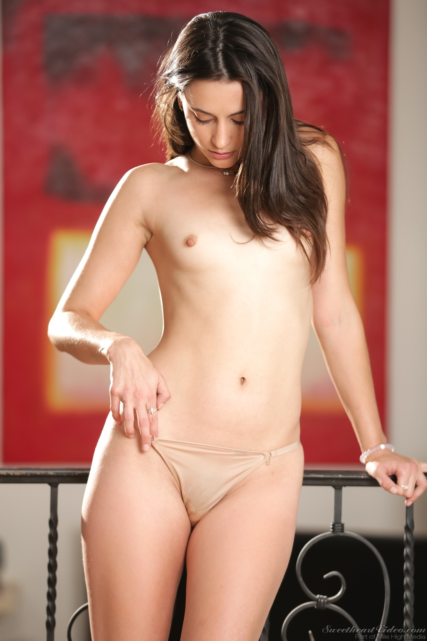 Caucasian solo girl Georgia Jones touts her bare ass after disrobing