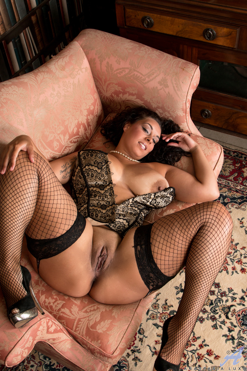 Latina milf in fishnet stockings
