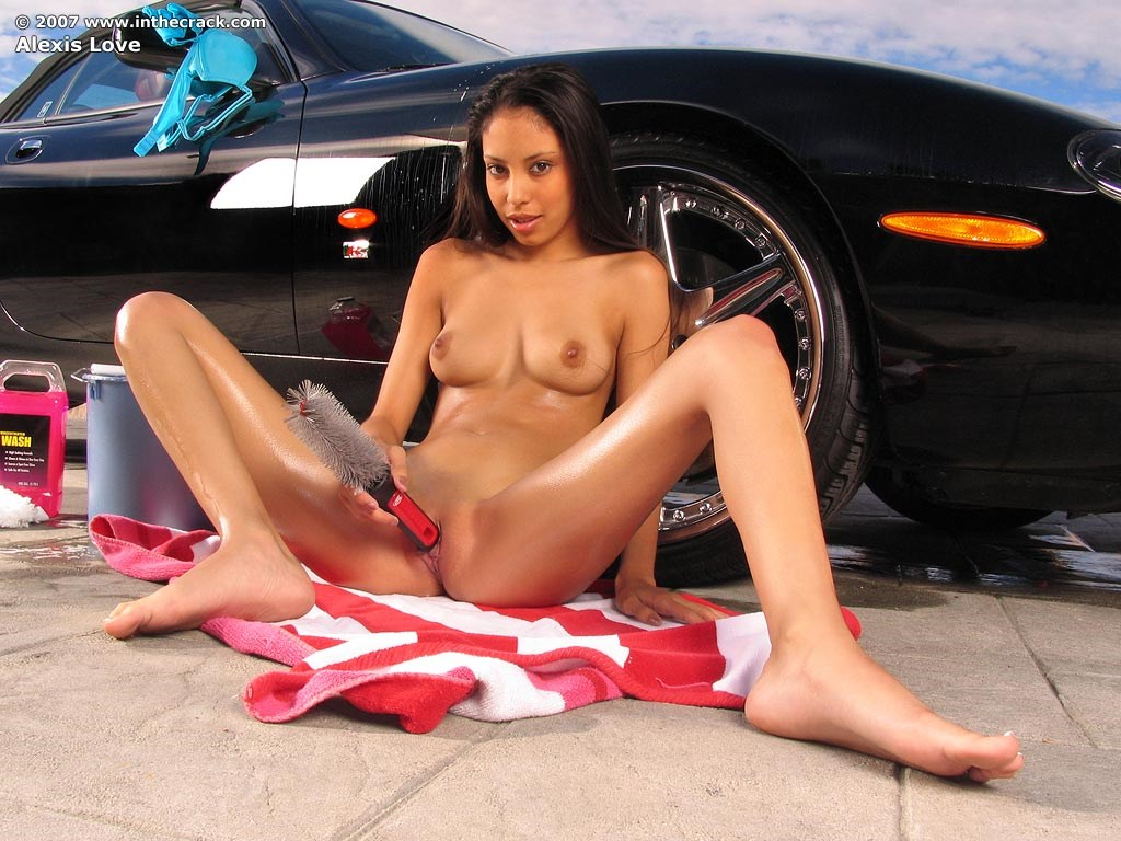 latinas nude cars