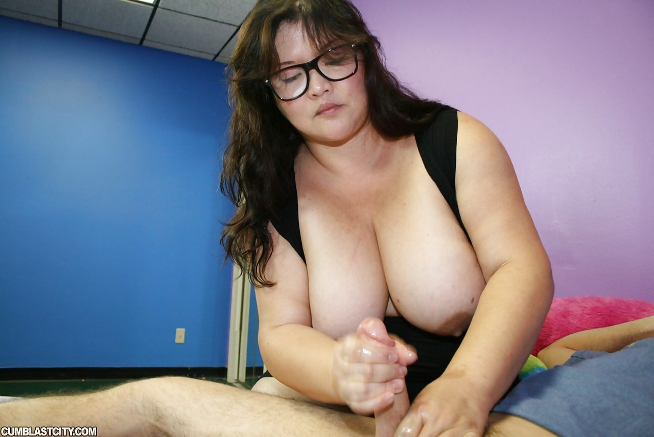 Big boobs tittie fuck