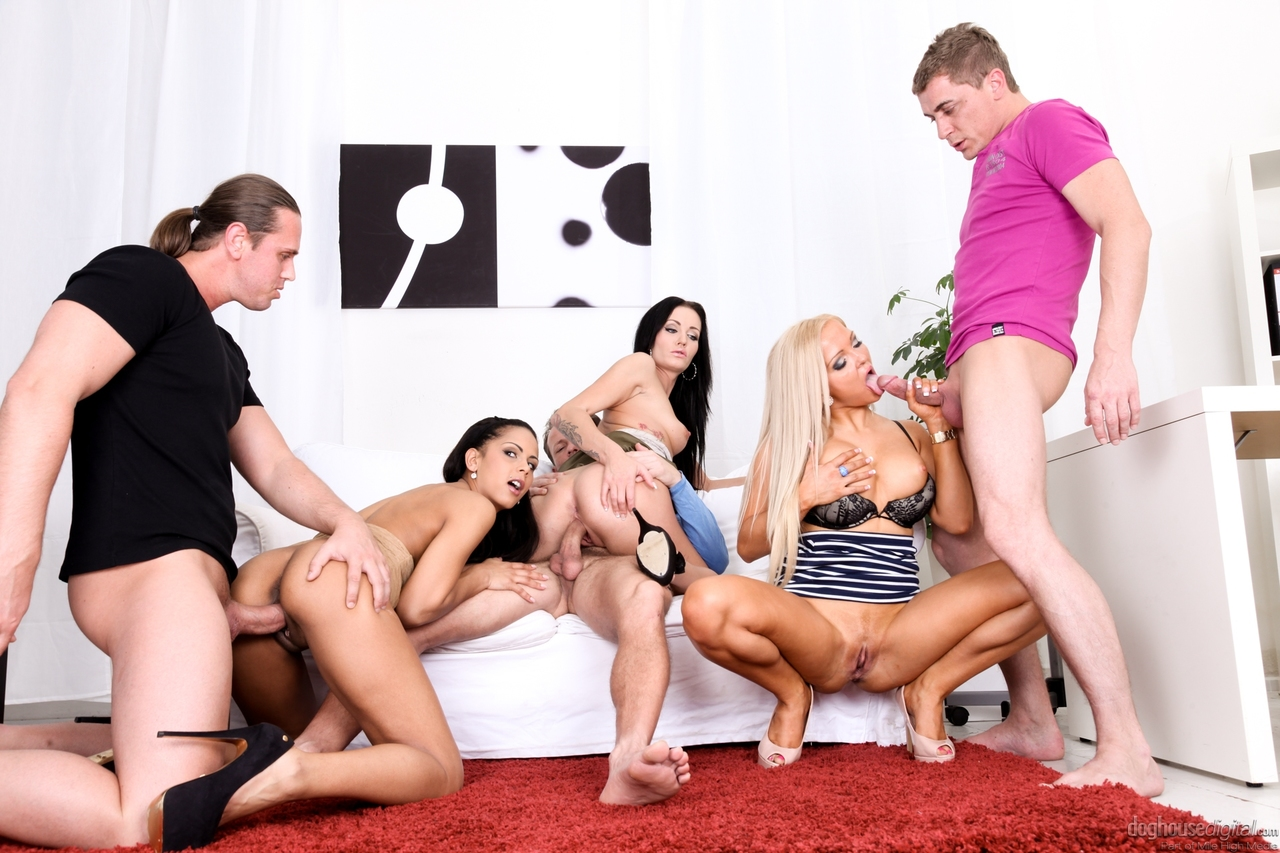 fuck-girl-sawpping-wief-group-sex-story-pussy-clut-girl