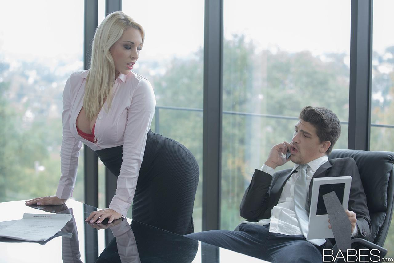 Blonde secretary Victoria Summers seducing office sex in ...