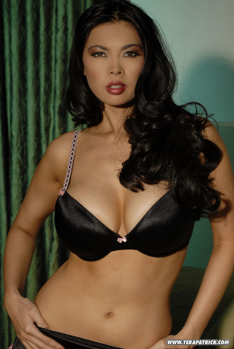 Diamond Asian hair styling love her body!