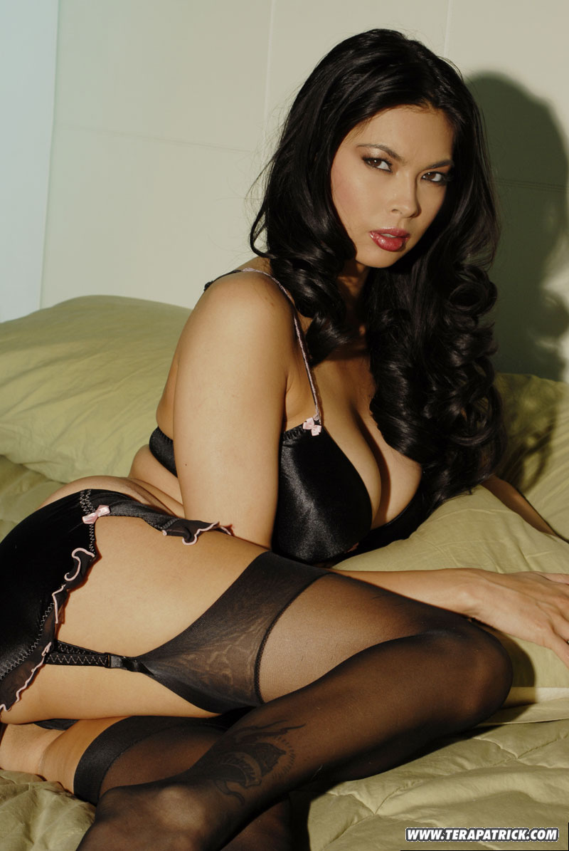 Asian milf in lingerie