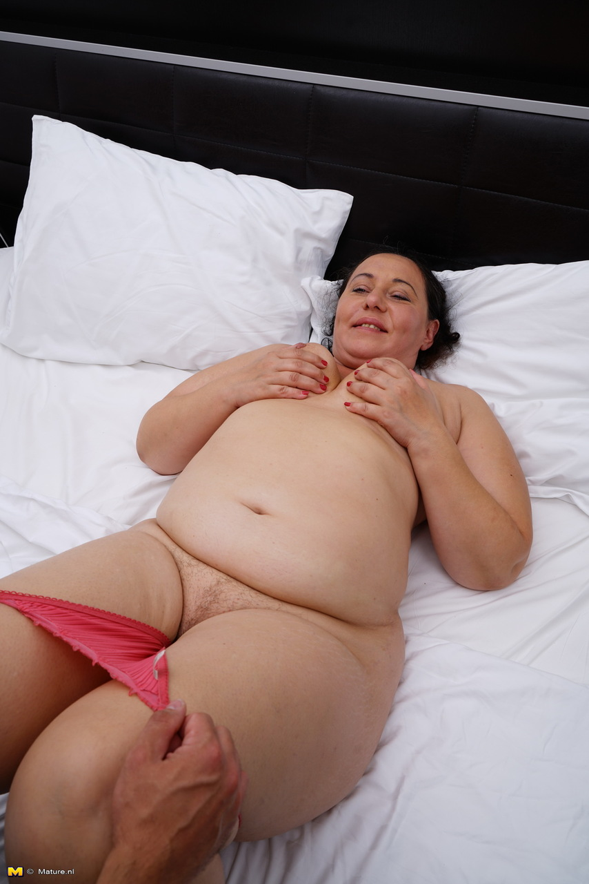 Nude mature women having sex
