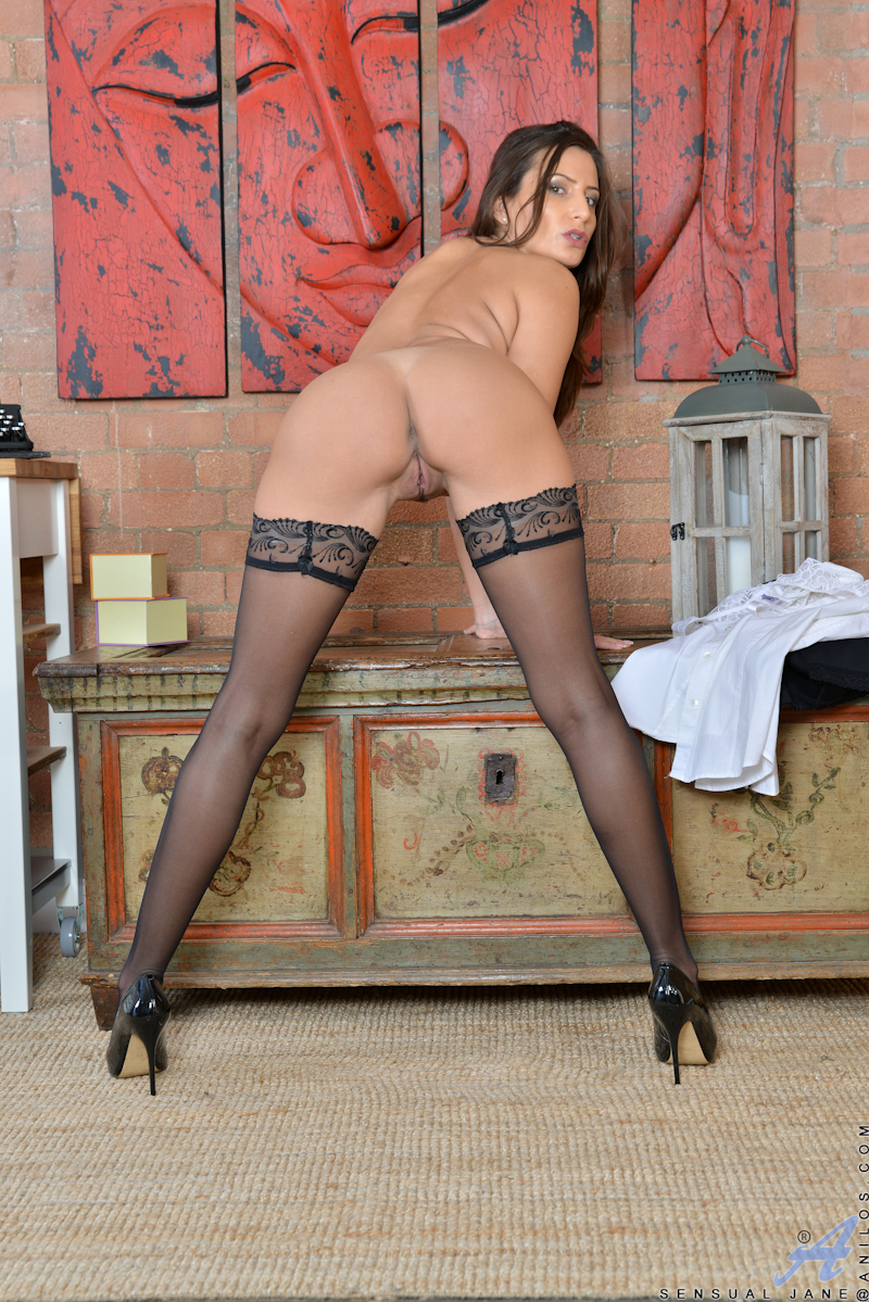 Can suggest Sexy short skirt pantyhose and heels