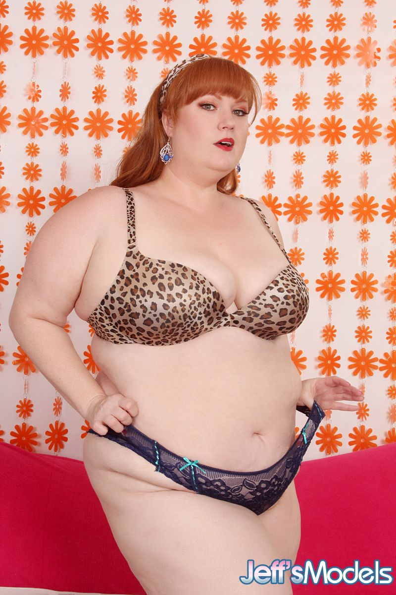fucking-bbw-foxxy-roxxy-when-naked