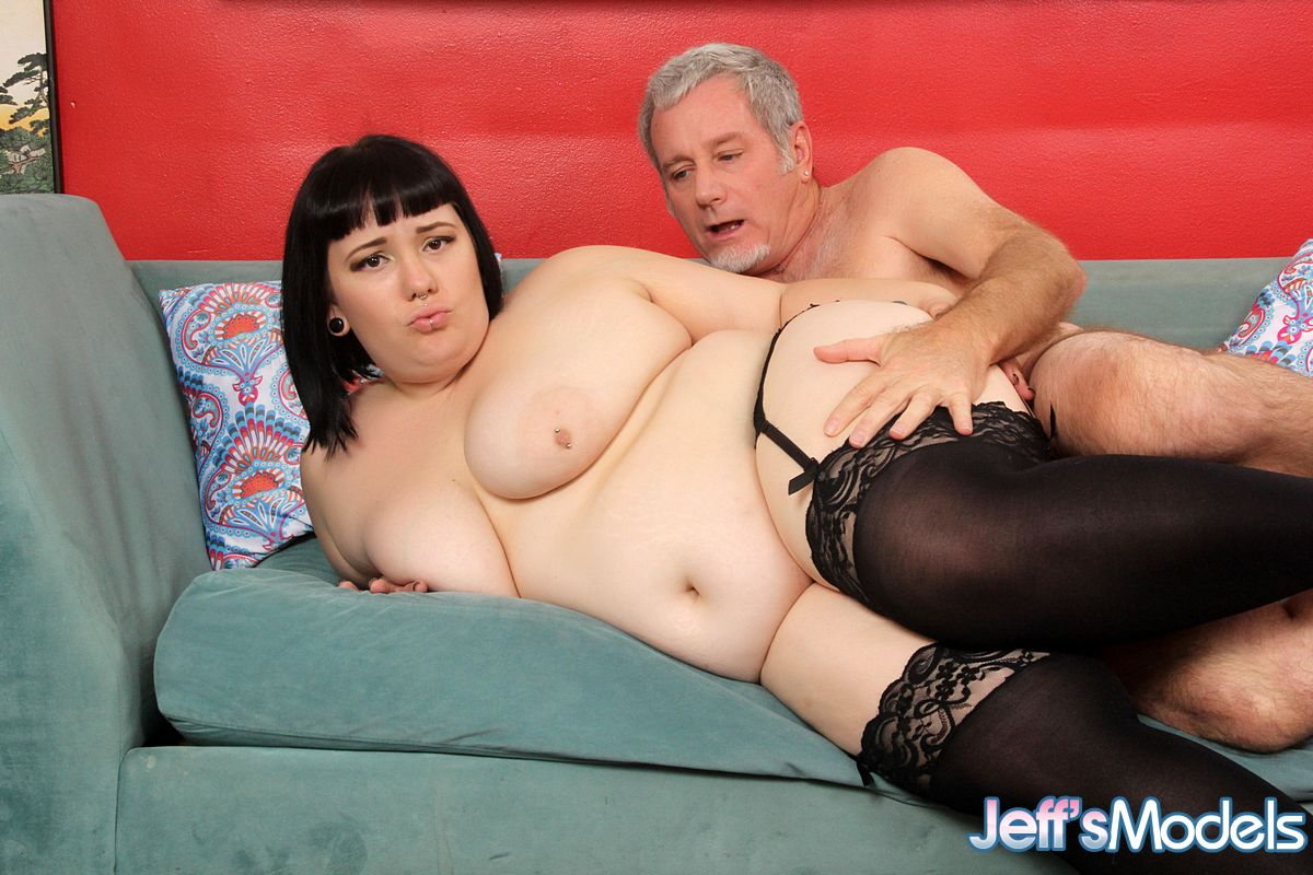 Obese brunette Alexxxis Allure enjoying hard sex games in black stockings