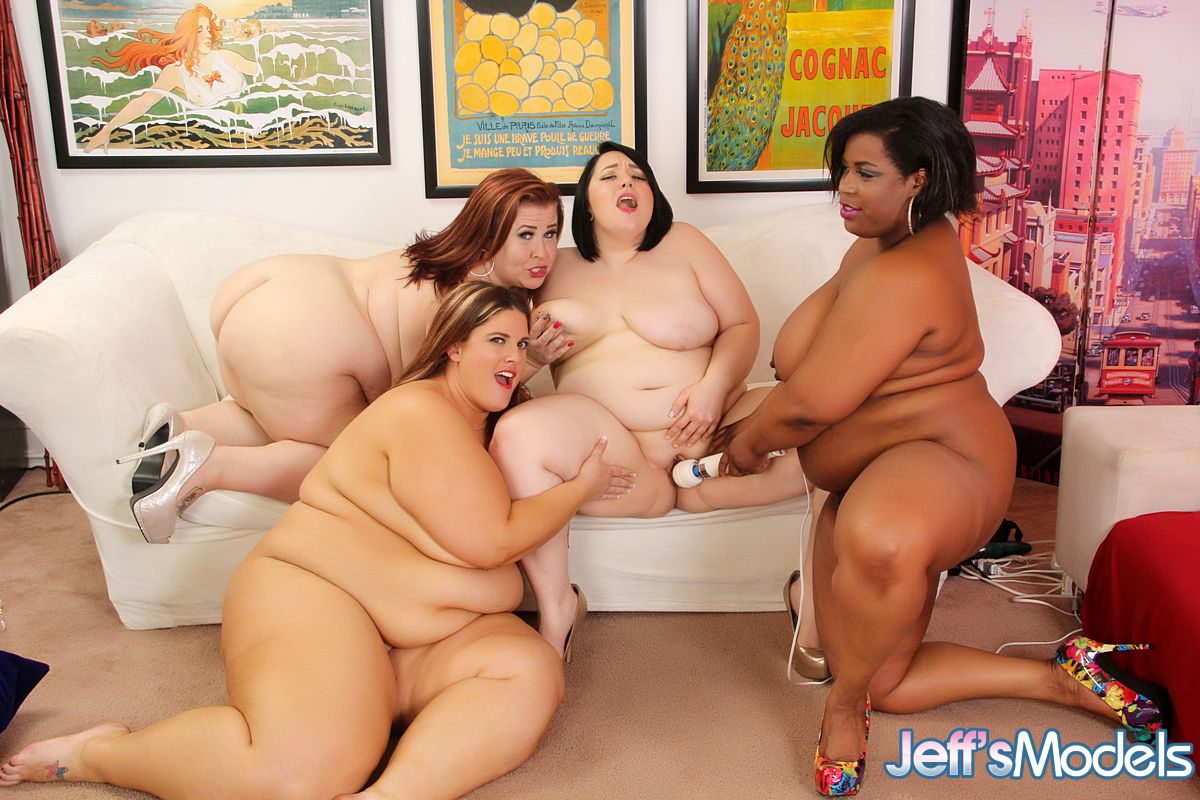 4 ssbbws get together for lesbian sex