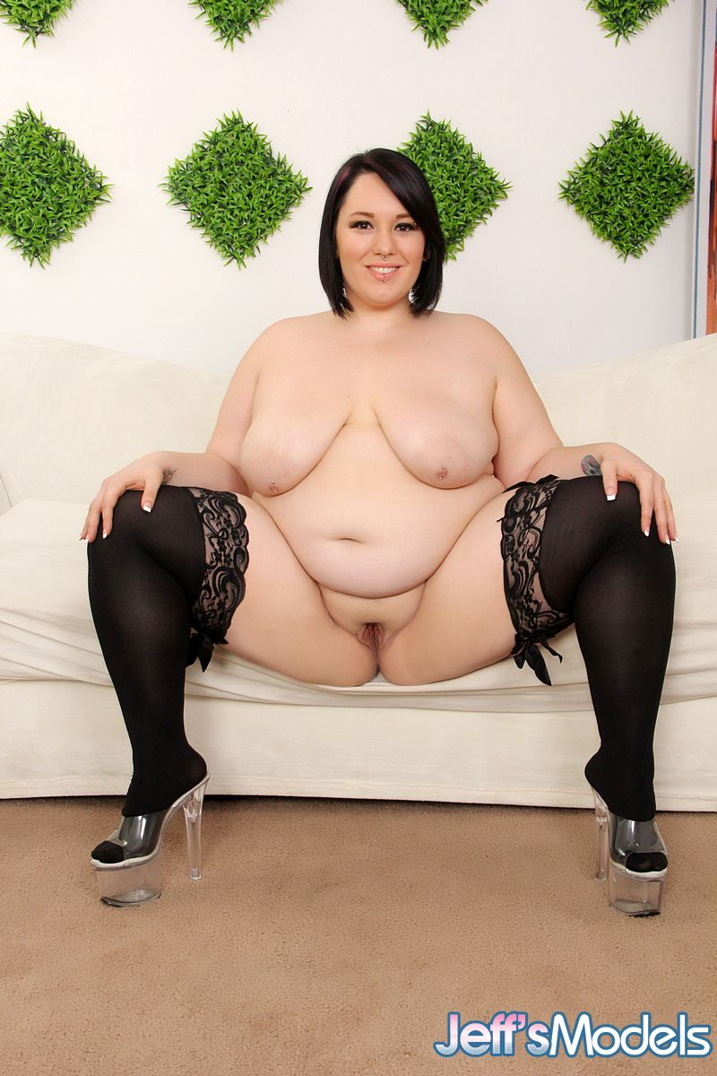 SSBBW fat person Alexxxis Allure mouthing penis for semen on saggy hooters