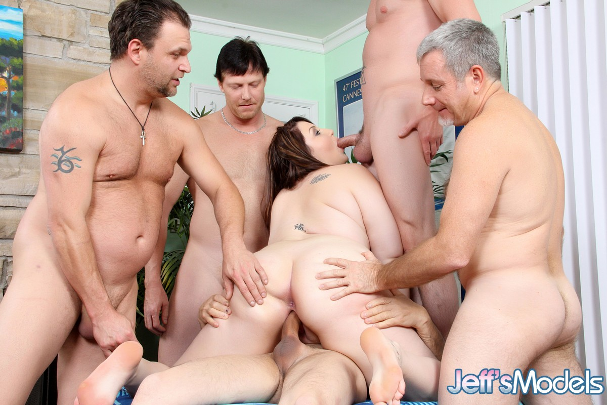 Gang bang mariah-8176