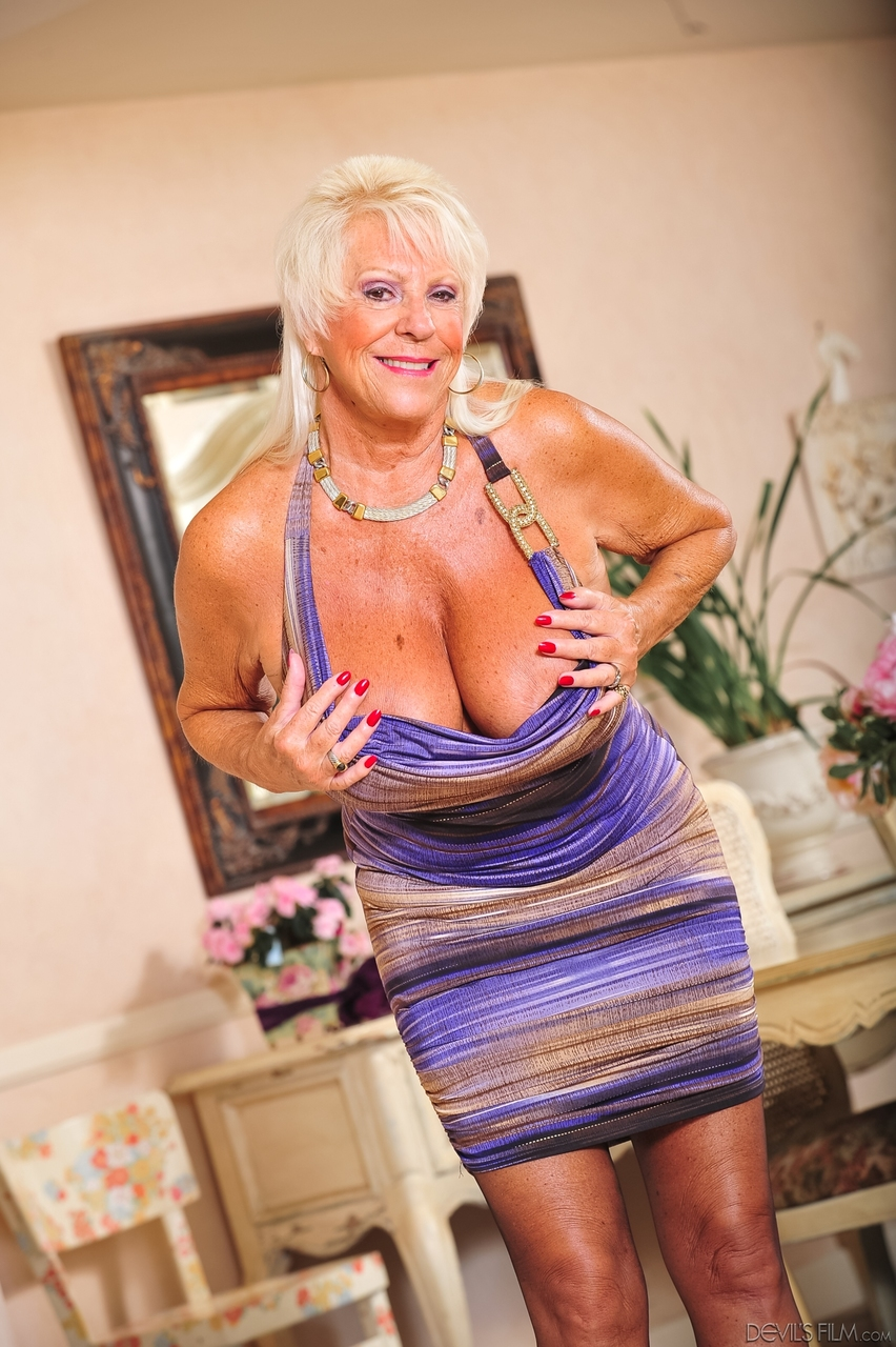 matchless answer You milf gives oily handjob share your opinion. something