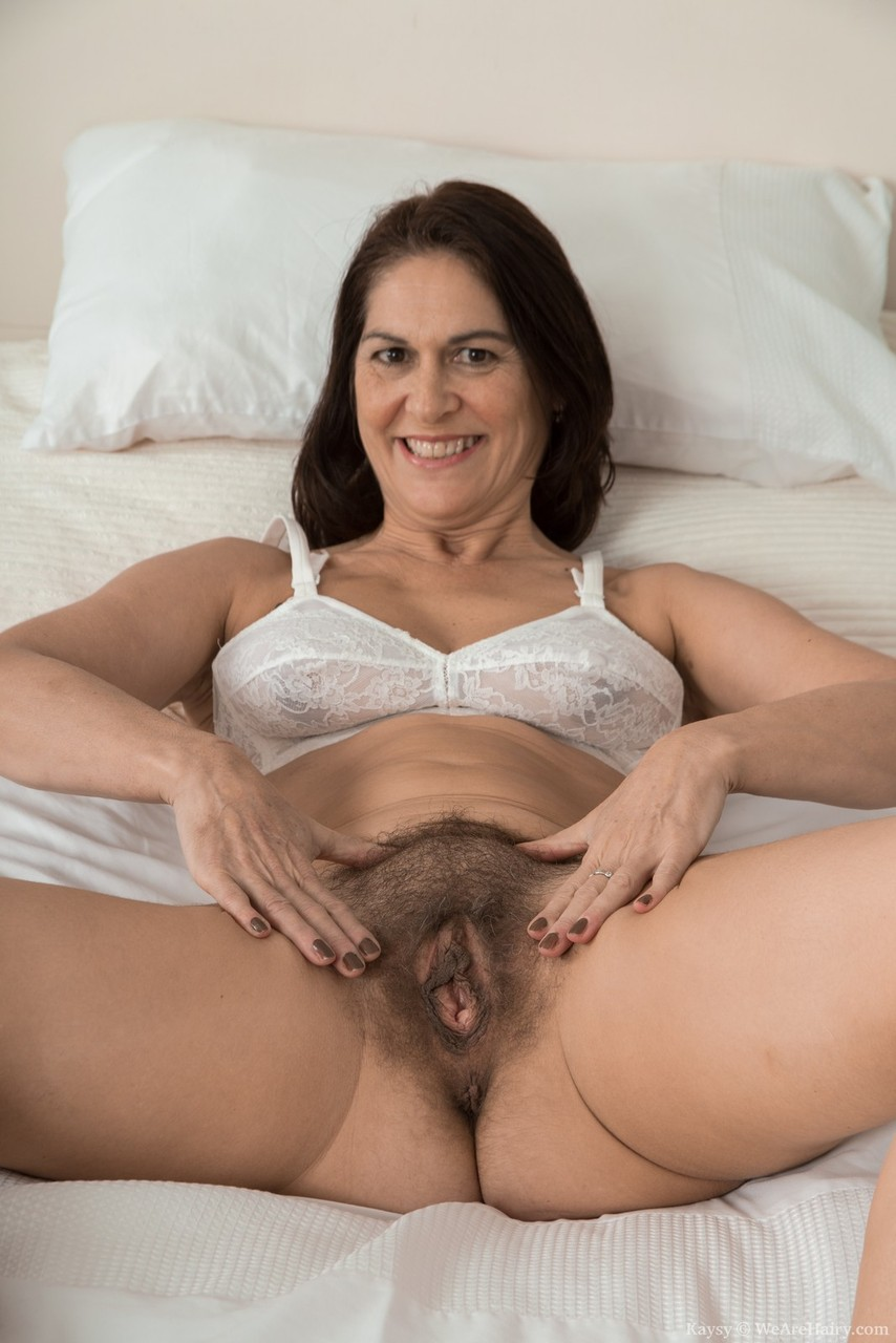 granny amateur hairy pussy